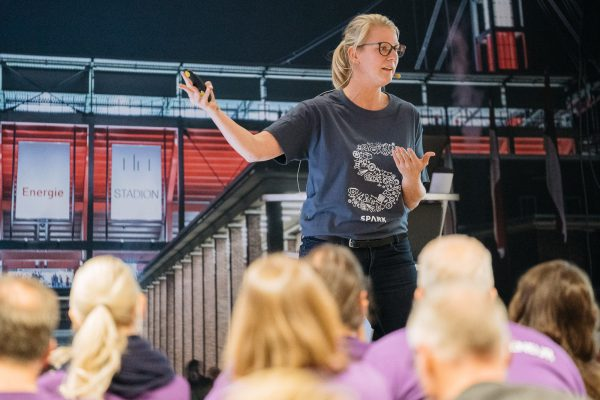 Eventreportage Briefing Spark 2018 - Eventdokumentation - Foto & Video - Videoproduktion im Kölner Stadion